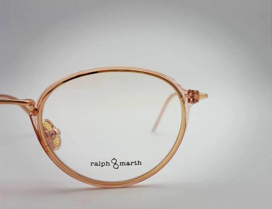 df12361ffe ... las gafas graduadas. La de Ralph & Marth es una colección retrovintage